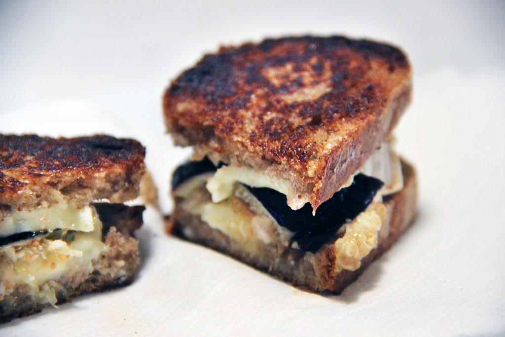 grilled-cheese-camembert-figue