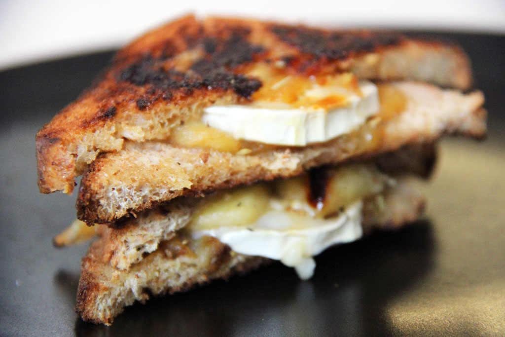grilled-cheese-chevre-pomme-miel