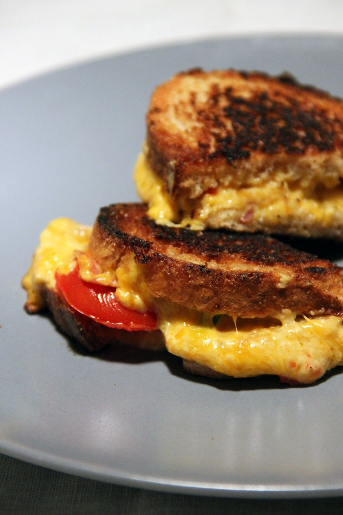 grilled-cheese-pimente