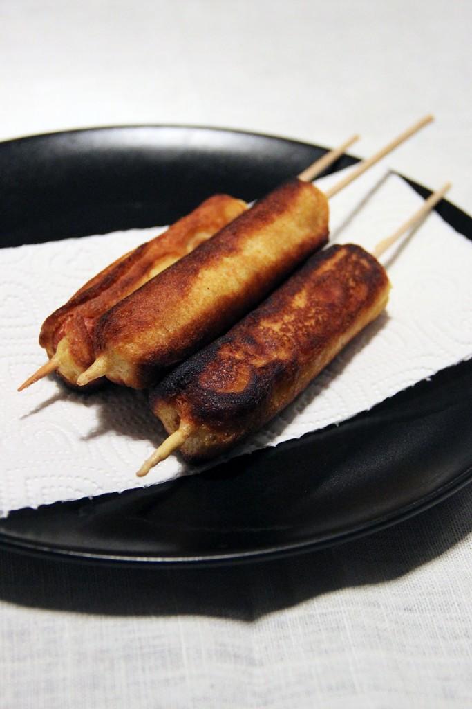 corn-dogs-sauce-miel-2
