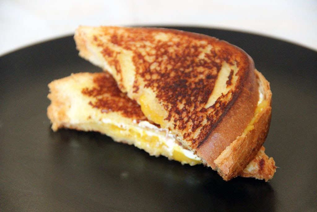 grilled-cheese-mangue-2