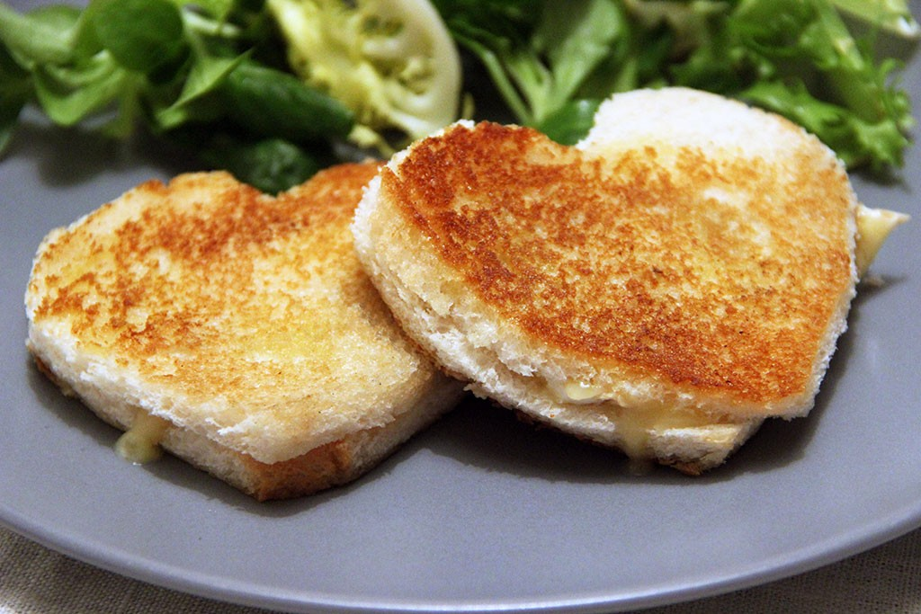 grilled-cheese-coeur-neufchatel-2