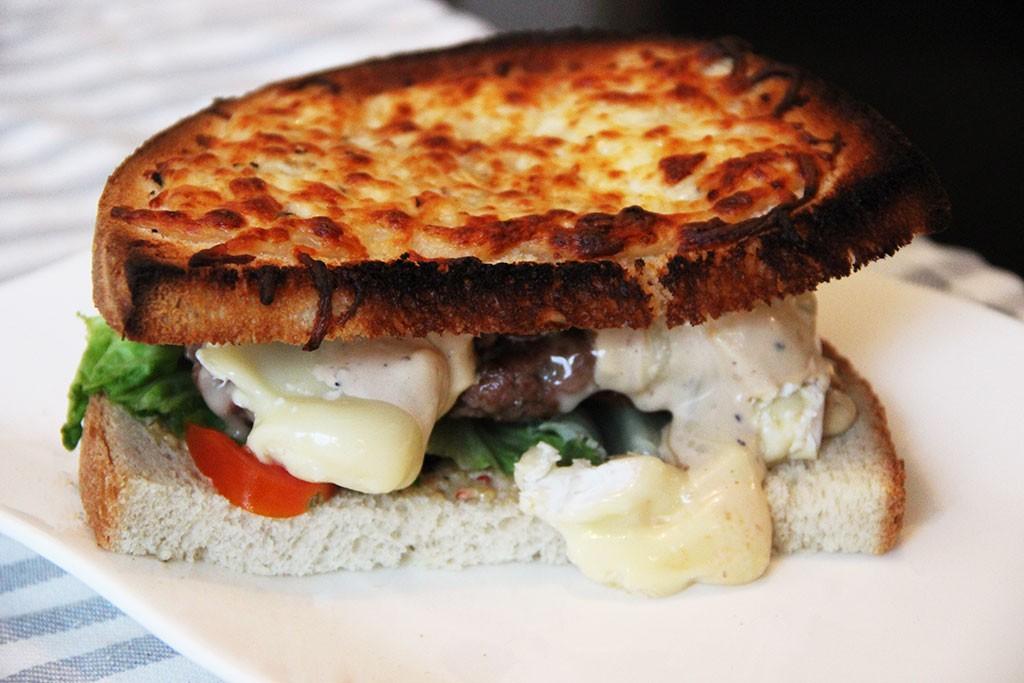 burger-geant-toaste-camembert-2