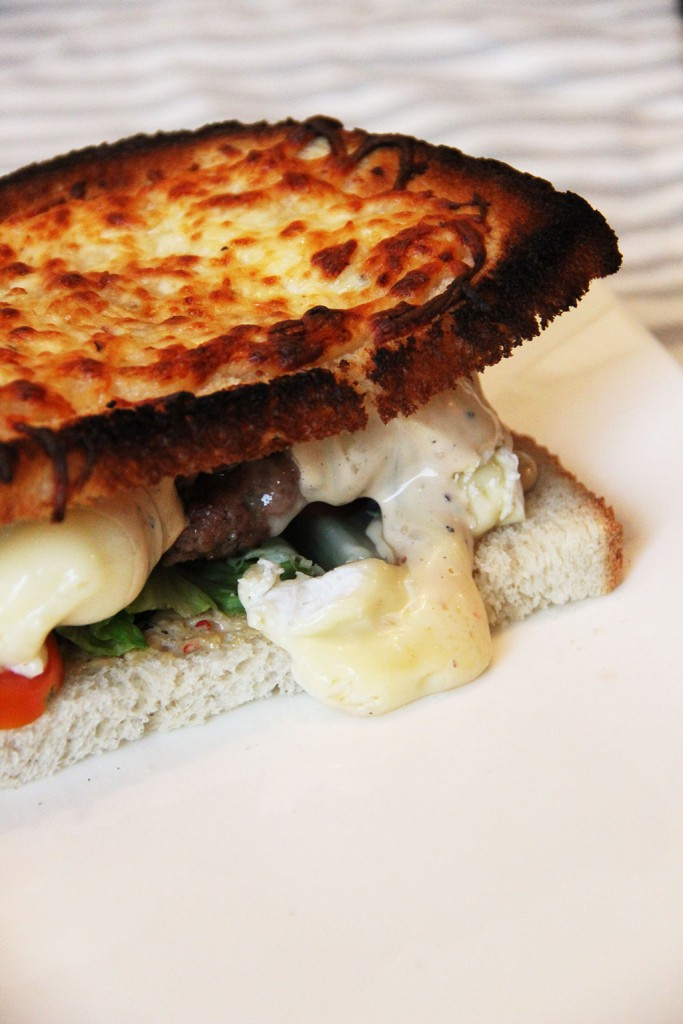 burger-geant-toaste-camembert