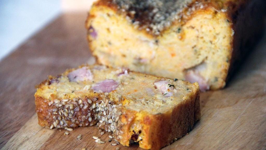 cake-courge-lardons-sesame