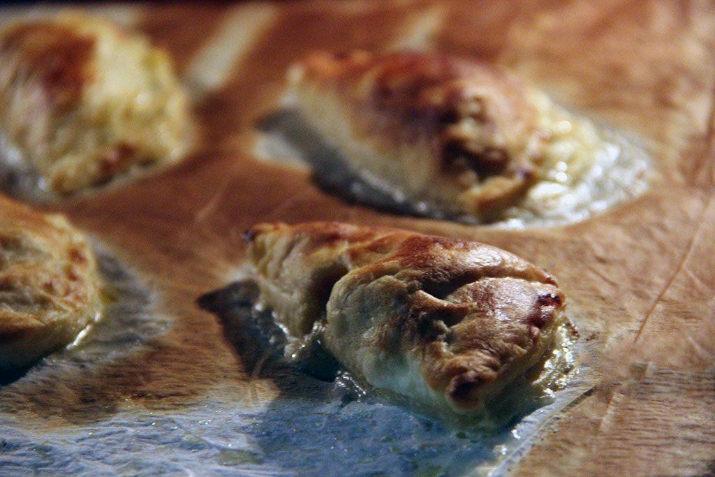 empanadas-caprese-3
