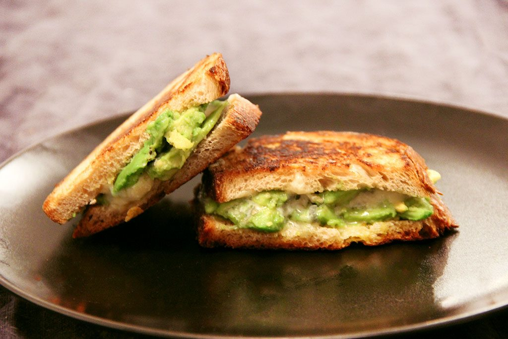 grilled-cheese-bleu-avocat