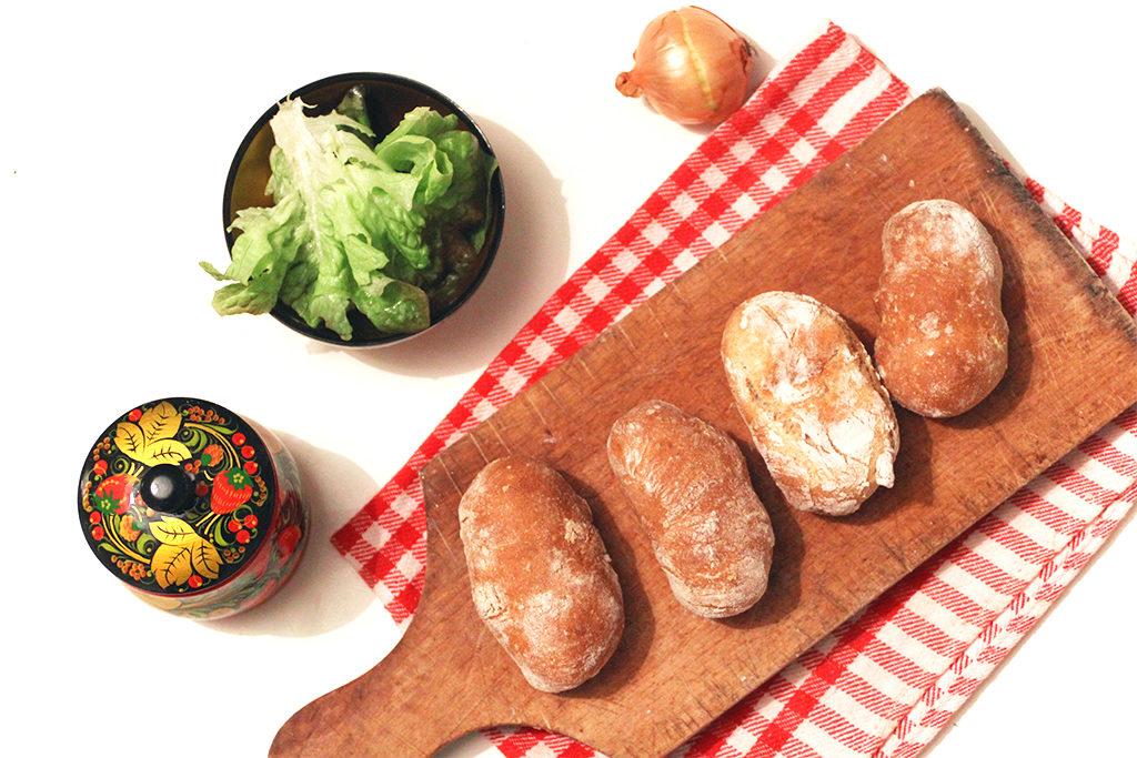 Spécialité de Russie : Piroshki aux champignons et pomme de terre