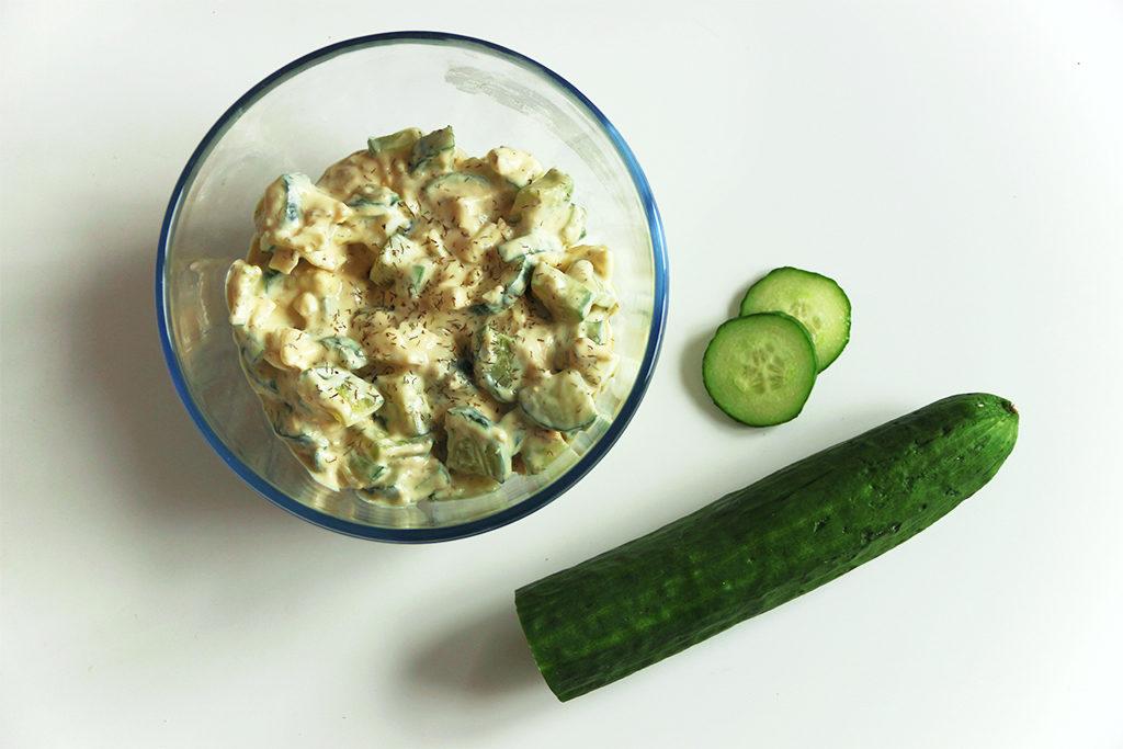 Salade de concombre à la russe