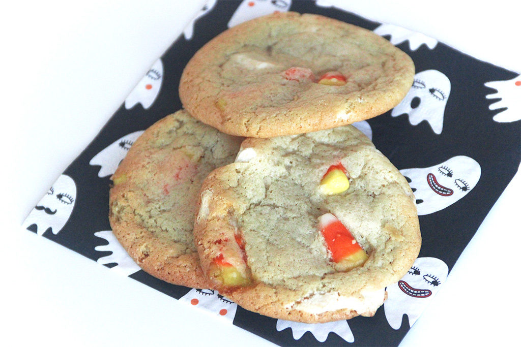 Cookies aux bonbons Candy corn et chocolat blanc
