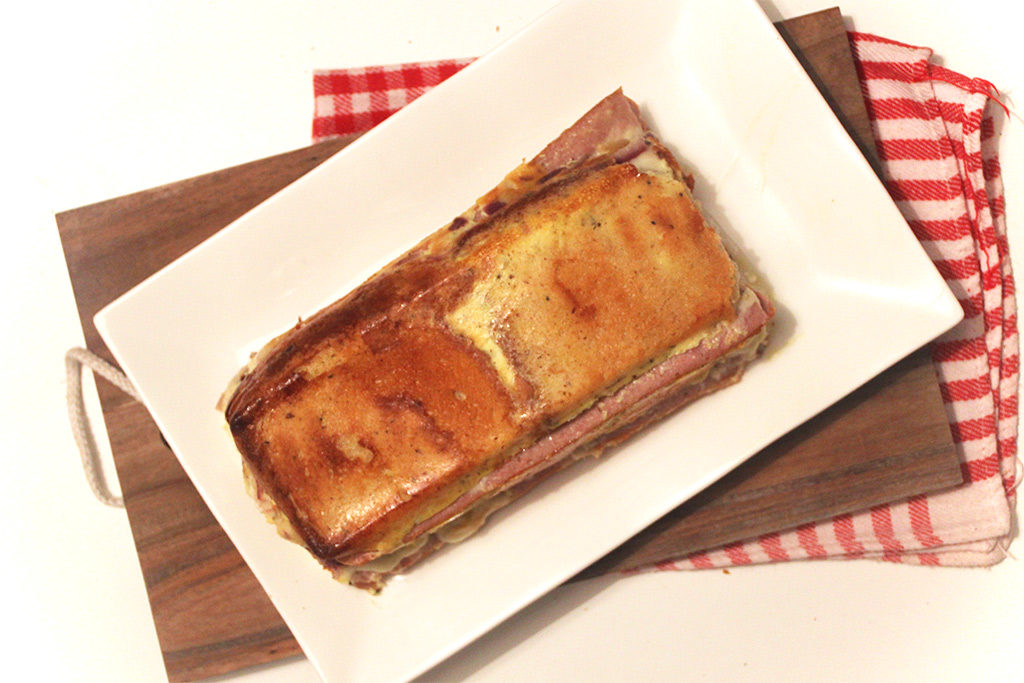 Croque-dog raclette cake