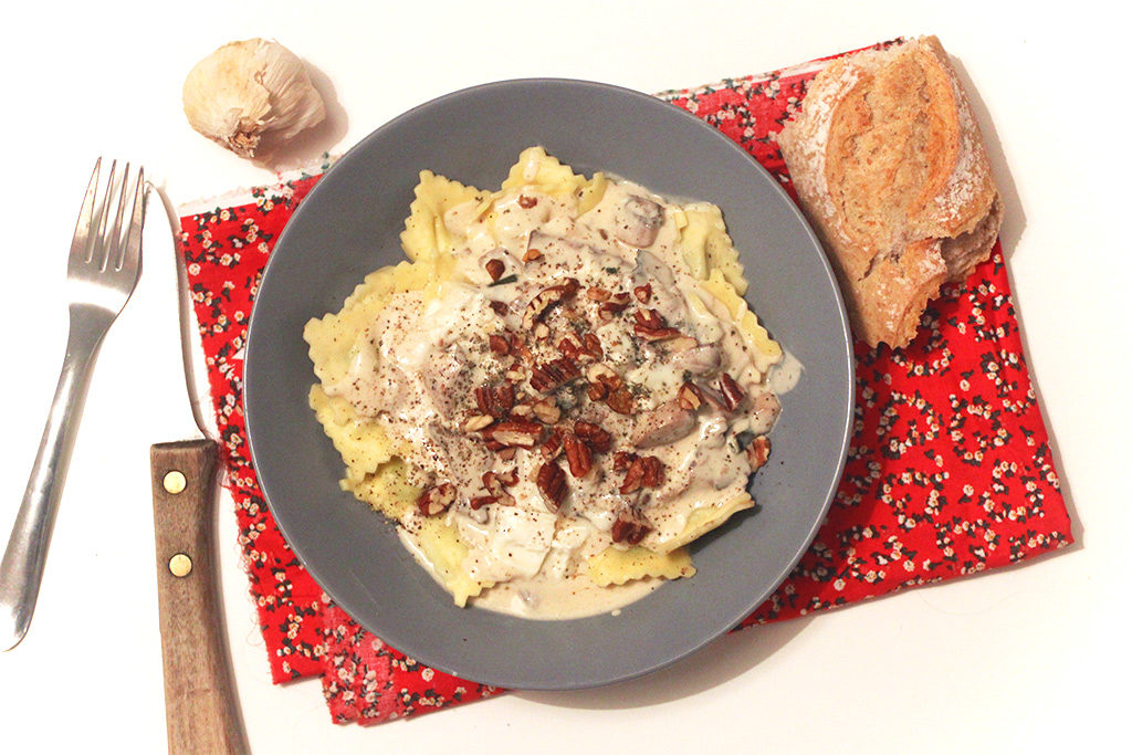 Ravioles au gorgonzola, noix et champignons