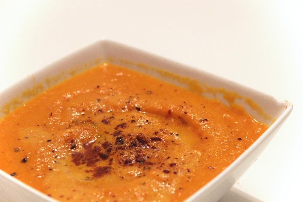 Soupe de carottes au curcuma et lait d'amande