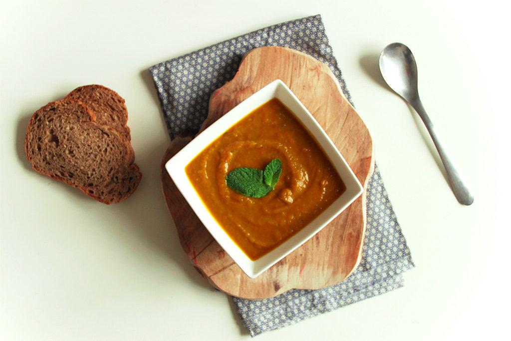 Soupe de carottes, potimarron et lait d'amande