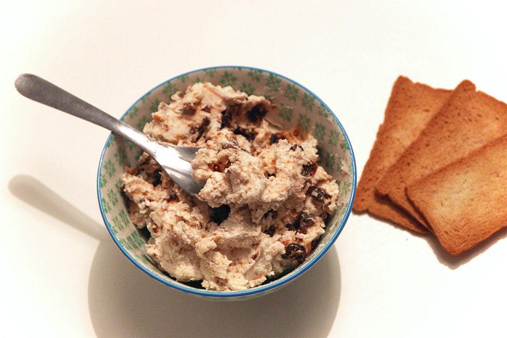Crème de chèvre, noix et figues