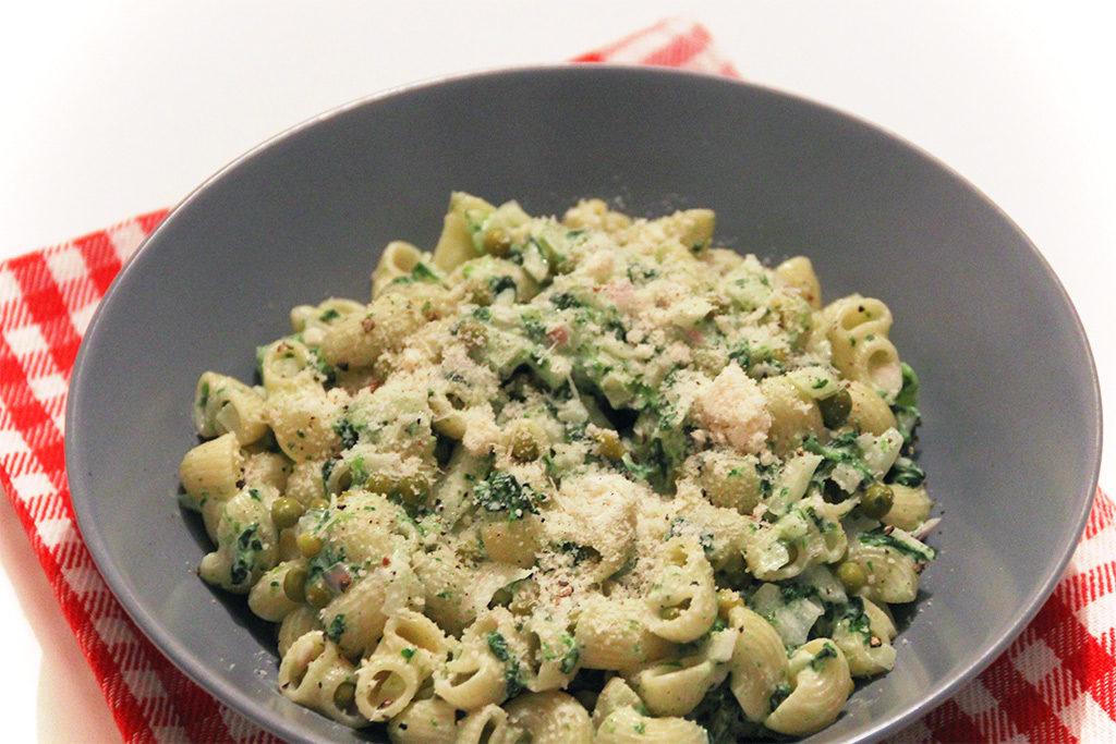 Pâtes aux légumes de printemps et huile de truffe