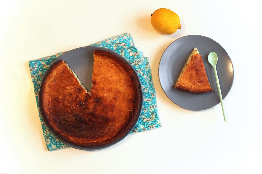 Gâteau au fromage blanc, citron et mélisse