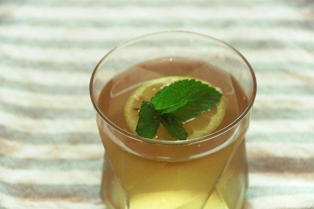 Thé vert glacé menthe citron