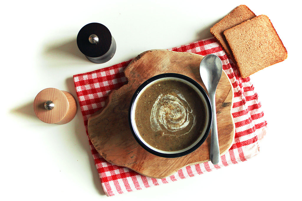 Soupe de pâtisson et champignons