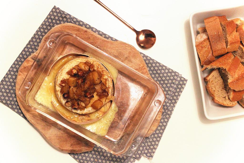 Livarot rôti aux pommes et noisettes