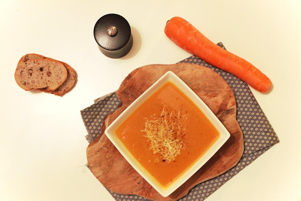 """Potage """"Brighton"""" aux carottes et cheddar"""