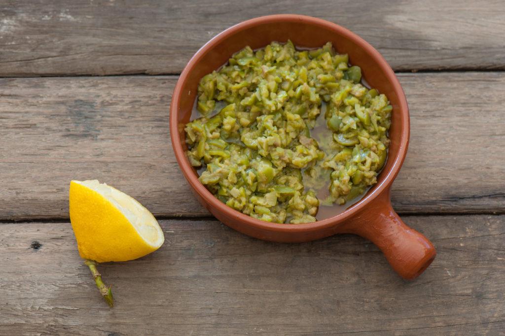 Tapenade d'olives vertes aux amandes et salicornes