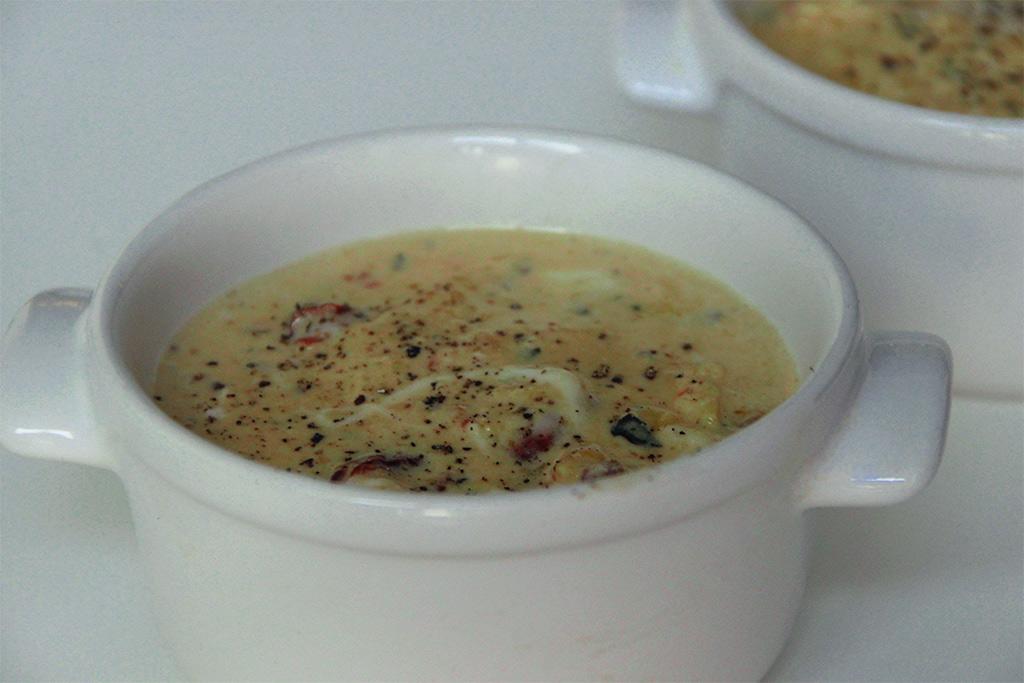 Oeufs brouillés à la tomate séchée et mozzarella