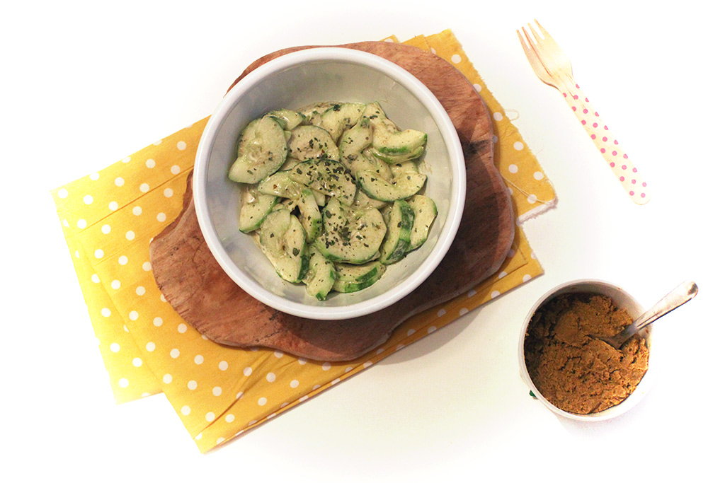 Concombres au curry vert
